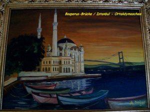 Bosporus-Brücke und Ortaköymoschee Istanbul